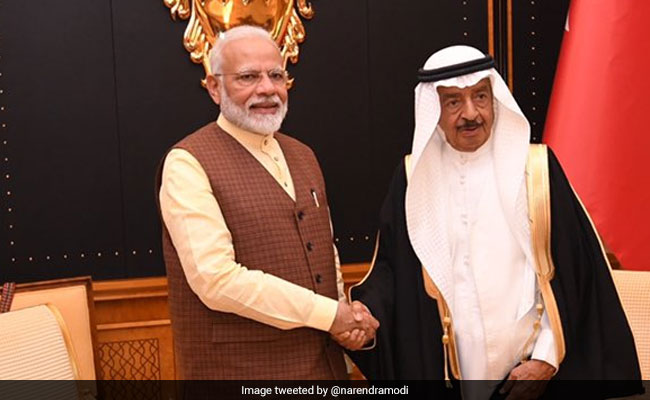 Modi receives a royal welcome in UAE, Bahrain