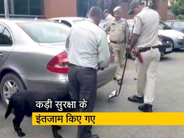 Videos : दिल्ली में मंडरा रहा आतंकी हमले का खतरा, अलर्ट जारी