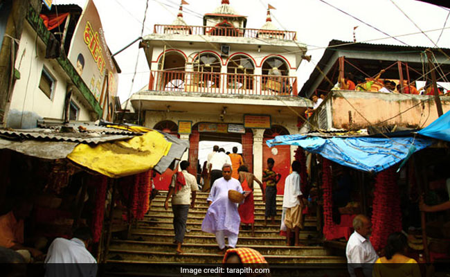 Abandoned Bag Near Temple Triggers Bomb Scare In West Bengal