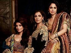 Dimple Kapadia, Daughters Twinkle And Rinke Are Stunners In Pic From 2004