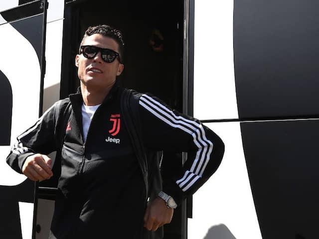 """Why Didnt You Play?"" South Korean Fan Flies To Sweden To Harangue Cristiano Ronaldo"