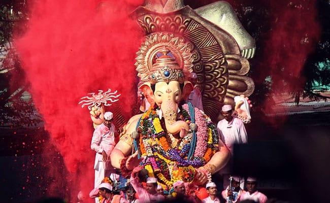 Ganpati Visarjan 2019: इन गानों के बिना अधूरा है गणेश चतुर्थी का त्योहार, सुनते ही बप्पा की भक्ति में हो जाएंगे लीन