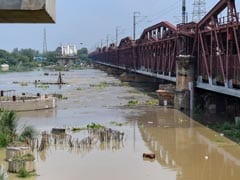 More Than 10,000 Evacuated In Delhi As Yamuna River Breaches Danger Mark
