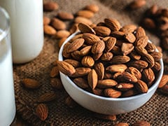 Is It Healthy To Eat Almonds Daily? Nutritionists Explain