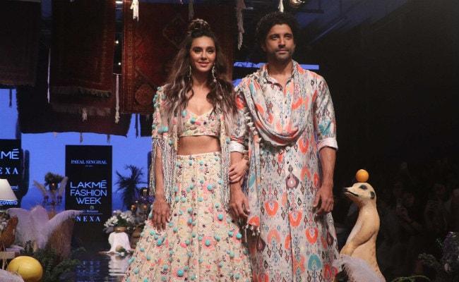 Lakme Fashion Week 2019: Showstoppers Shibani Dandekar And Farhan Akhtar Blend Love And Style