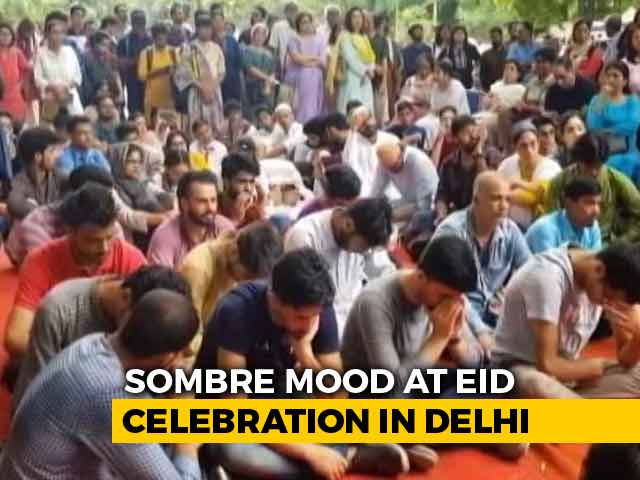 Video : Cut Off From Home, Kashmiris In Delhi Observe Eid At Jantar Mantar