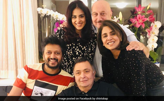 Inside Rishi Kapoor And Neetu Kapoor's Fantastic Evening With Riteish Deshmukh, Genelia D'Souza And Anupam Kher