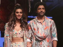 Lakme Fashion Week 2019: Showstoppers Shibani Dandekar And Farhan Akhtar Blend Love And Style