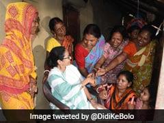 দেশে চলছে 'অতি জরুরি অবস্থা', মোদি সরকারকে আক্রমণ মমতার