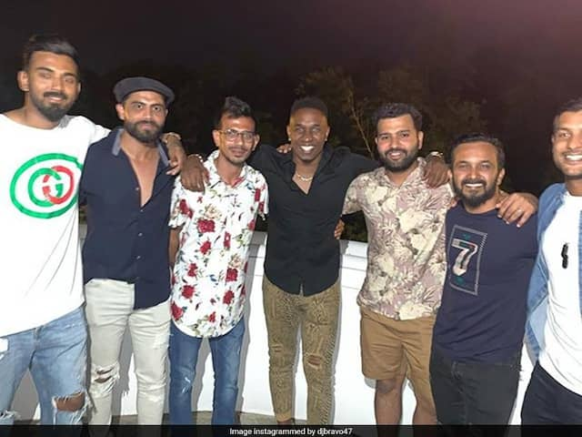 "Dwayne Bravo Parties With ""Brothers From India"" At Brian Laras Residence. See Pictures"