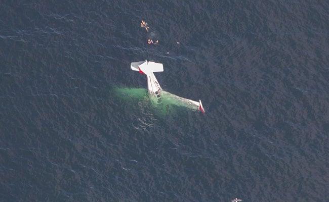 प्रशांत महासागर में प्लेन हुआ क्रैश, पायलट हंसकर लेने लगा सेल्फी और फिर...Video Viral