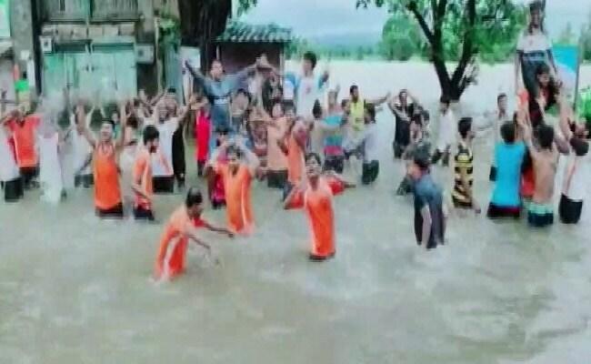 Locals Dance On Waterlogged National Highway In Karnataka's Belagvi