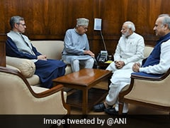 National Conference Delegation Meets PM, Requests For Polls By Year End
