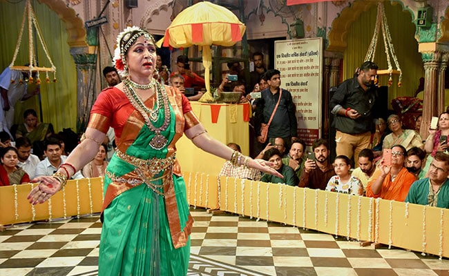 Watch: On Hariyali Teej, Hema Malini's Dance Show Delights Audience In Mathura
