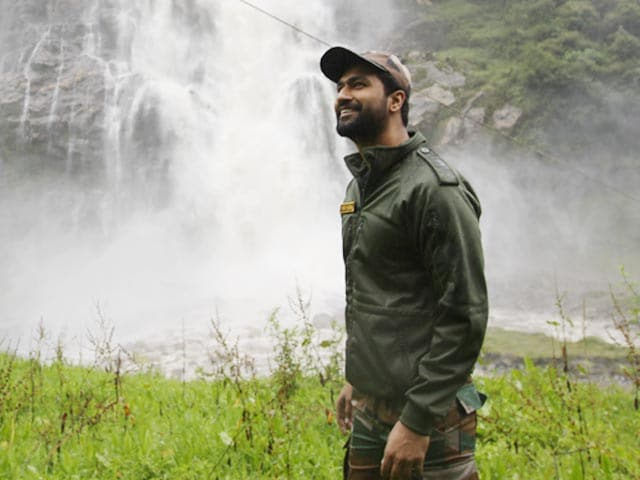 Vicky Kaushal Finds Out How The Army Crosses Water Obstacles
