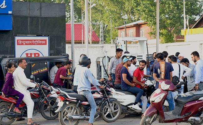लगातार छठे दिन पेट्रोल के दाम में बढ़ोतरी, डीजल की कीमत में भी हुआ इजाफा