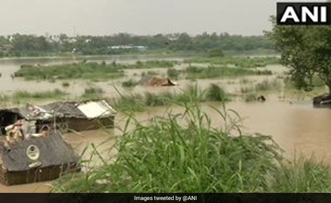 Yamuna Flows Close To Danger Mark In Delhi, Water Enters Houses