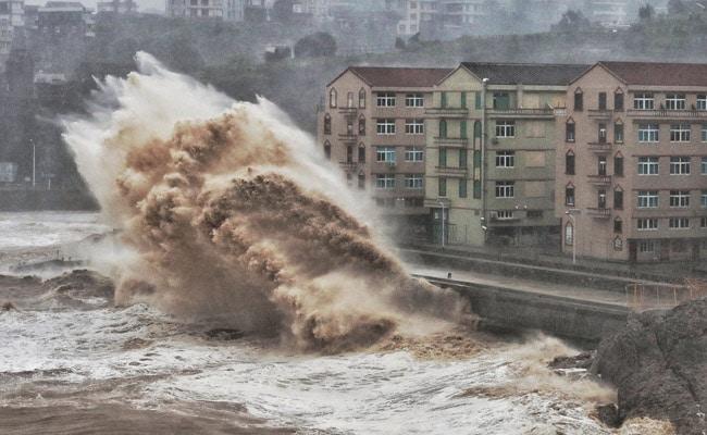Super Typhoon Lekima Hits Southeast China, Knocks Out Power, Uproot Trees