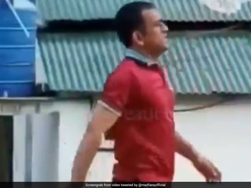 Watch MS Dhoni Play Volleyball With His Army Battalion