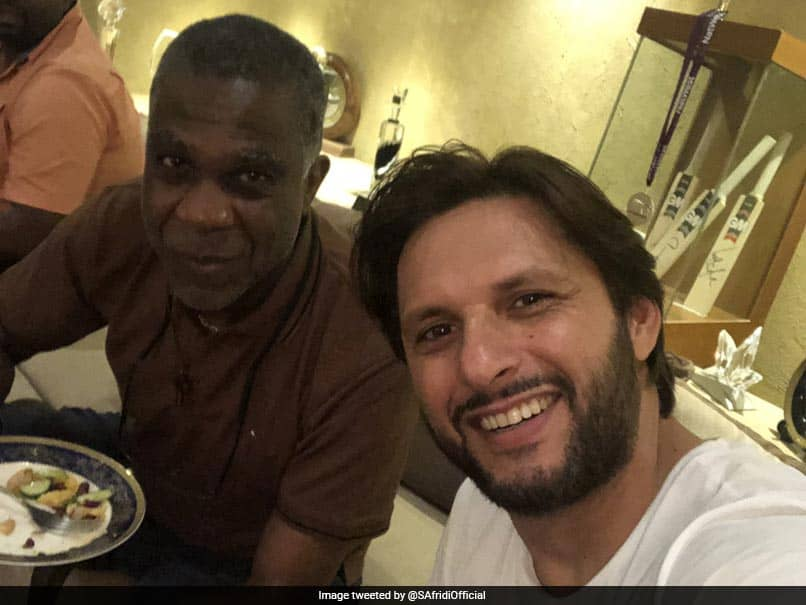 Former Pakistan Captain Shahid Afridi Hosts Legendary West Indies Pacer For Dinner. See Pics
