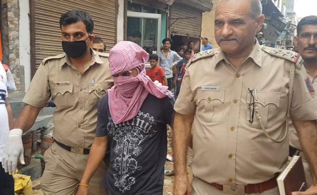 शख्स ने पत्नी की हत्या कर शव के किए कई टुकड़े, बाद में खुद थाने पहुंचकर कबूल किया जुर्म