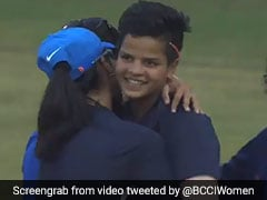 Shafali Verma, ১৫ বছরেই জায়গা করে নিলেন সিনিয়র ক্রিকেট দলে