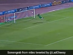 Egyptian Goalkeeper's Incredible Acrobatics To Deny Opposition Sets Twitter Aflutter. Watch