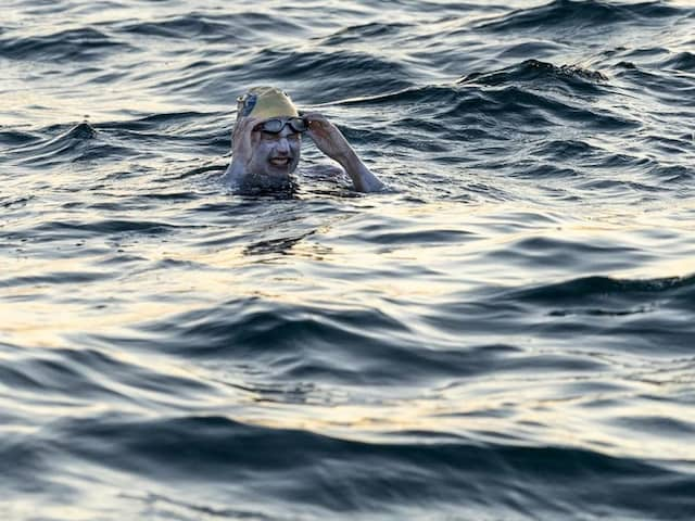 US Cancer Survivor Becomes First To Swim Across English Channel 4 Times