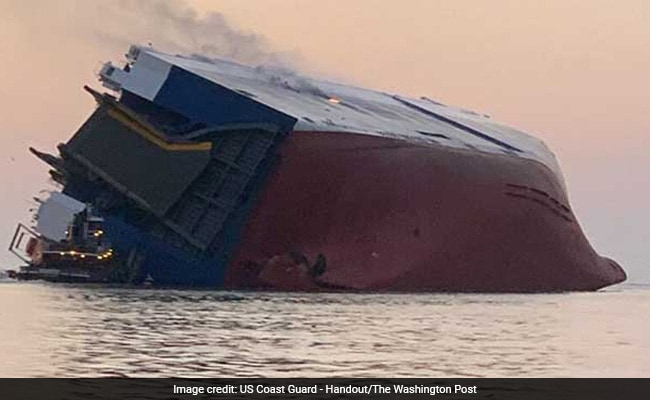 Coast Guard contacts 4 crew trapped inside ship