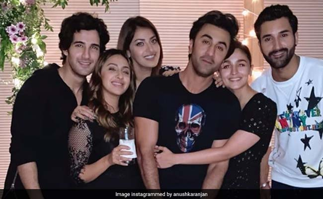 Alia Bhatt And Ranbir Kapoor At Akansha Ranjan's Birthday Party - The Pic Says It All