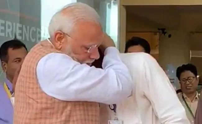 """""""Great Morale Booster"""": Defence Research Body Chairman On PM-ISRO Chief Hug"""