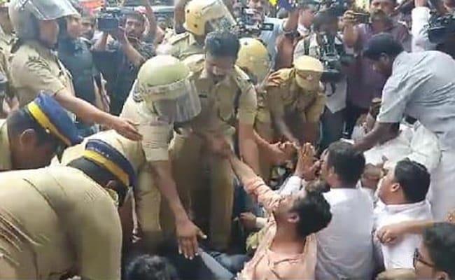 High Drama At Kerala Church, Top Priests Court Arrest, Cops Break Gates