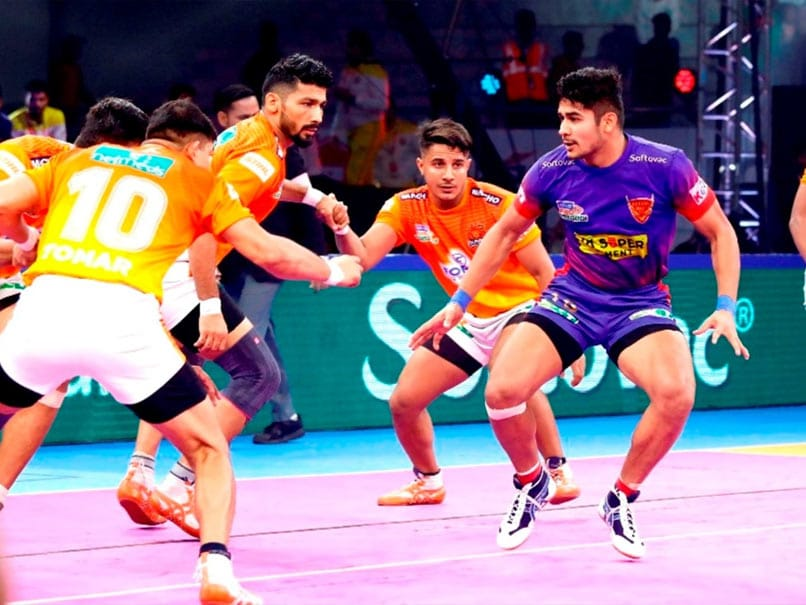 Pro Kabaddi: Puneri Paltan Knocked Out After Loss To Dabang Delhi, Haryana Steelers Beat Gujarat Fortunegiants To Qualify For Playoffs