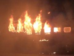 यार्ड में खड़ी बिहार संपर्क क्रांति सुपरफास्ट एक्सप्रेस के कोच में लगी आग, कोई हताहत नहीं