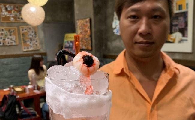 "At Hong Kong Restaurant, Protest-Themed Menu Features ""Eyeball"" Mocktails"