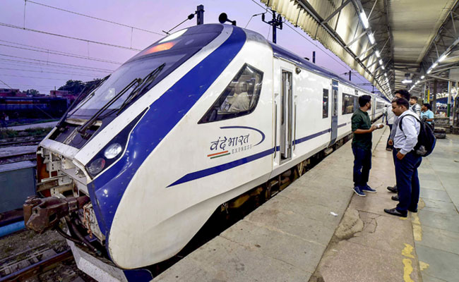 Vande Bharat Express Goes Without AC, Lights For An Hour In Allahabad