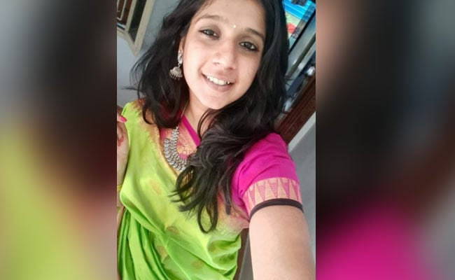 Chennai Techie Hit By Tanker As AIADMK Leader's Hoarding Falls On Her, Dies