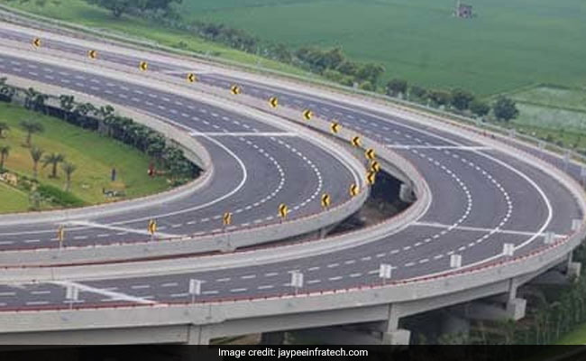 Road Deaths On UP's Yamuna Expressway In 2019 'Highest Ever': Report