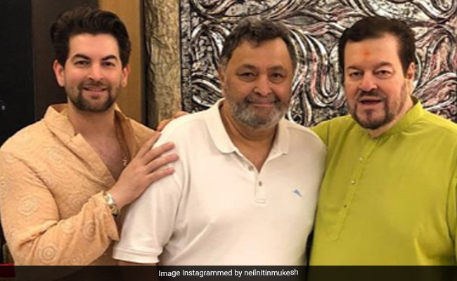 Rishi Kapoor Visits Neil Nitin Mukesh's Home For 'Ganpati Darshan.' See Pics