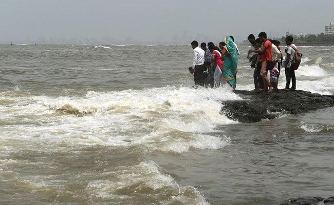 Image result for rising sea levels mumbai beach