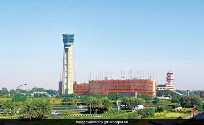 Delhi Airport's Aerobridge Operator Fails Alcohol Test, Suspended