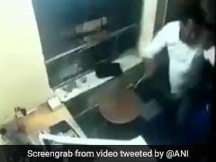 BJP नेता की गुंडागर्दी: टोल टैक्स मांगने पर कर्मचारी को जमकर पीटा, देखें वायरल VIDEO