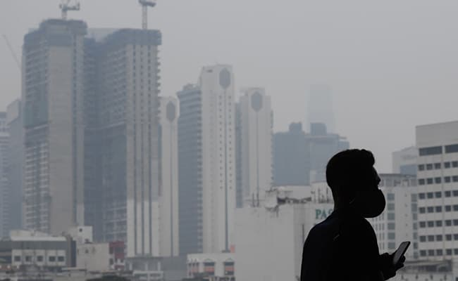 Malaysia To Seed Clouds, Induce Rain As Smog Pollutes Air