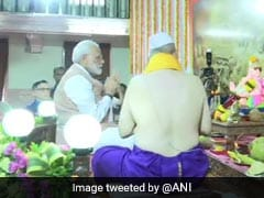 What PM Modi Wrote In Visitor's Book After <i>Ganesha Darshan</i>