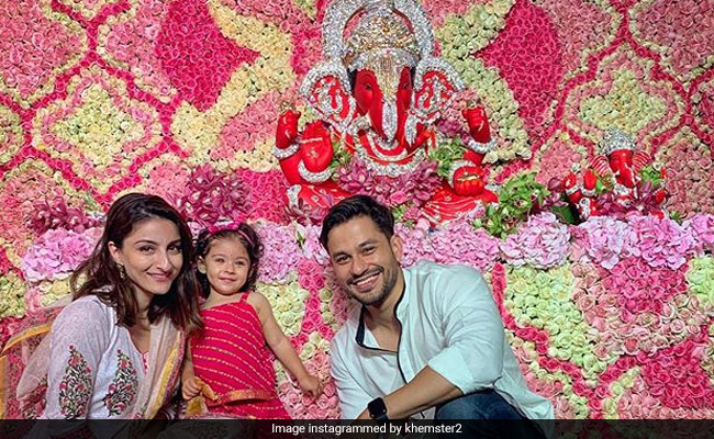Ganesh Chaturthi 2019: Baby Inaaya Visits Ganpati With Mom Soha Ali Khan And Dad Kunal Kemmu