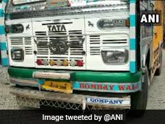 जम्मू-कश्मीर के कठुआ जिले में हथियारों से भरा ट्रक पकड़ा गया