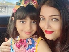 Aishwarya Rai Bachchan And Daughter Aaradhya Are Having A Blast At Paris Fashion Week