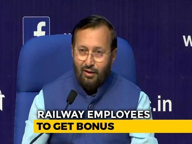 Video : Cabinet Approves Bonus For Railway Employees: Prakash Javadekar