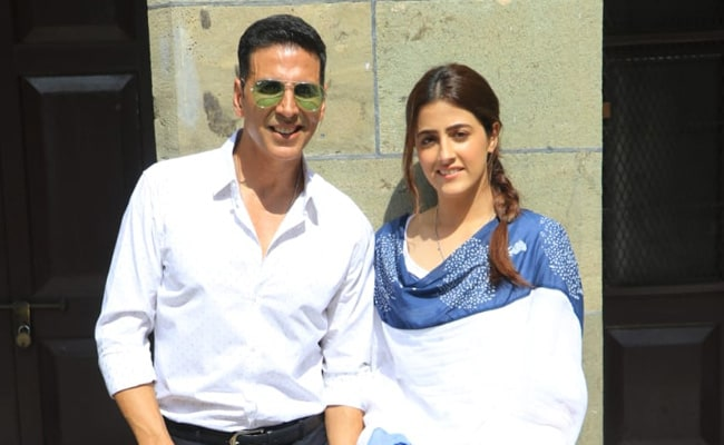 Akshay Kumar Shoots His First Music Video Filhaal With Kriti Sanon's Sister Nupur. See Pics