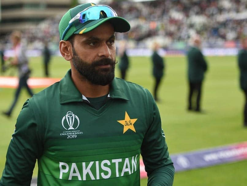 "Mohammad Hafeez Brutally Trolled By Pak Fans After Posting Pictures Of ""Sunset View In Beautiful St Lucia"""